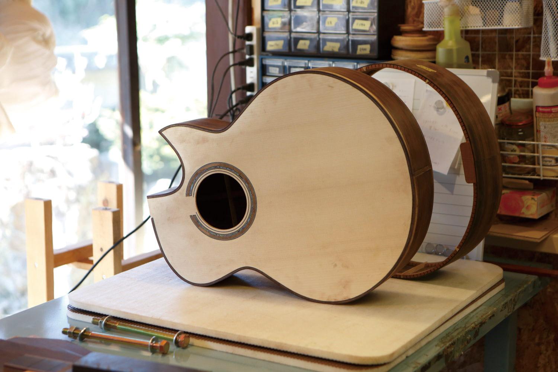 職人としてアコースティックギターを製作